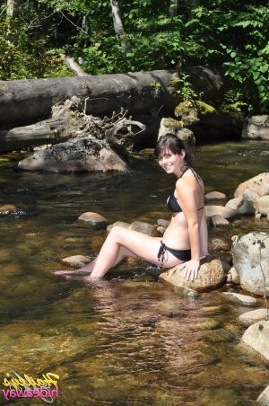Tahiana sex treffen escort in Bad Lippspringe